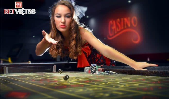 Dealer là gì trong Casino Online