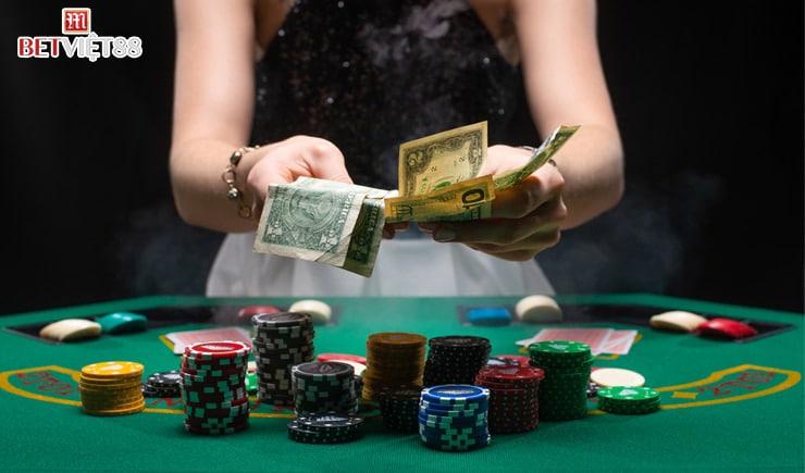 Dealer là gì trong Casino