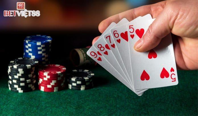 Hướng dẫn cách chơi Poker Omaha trực tuyến
